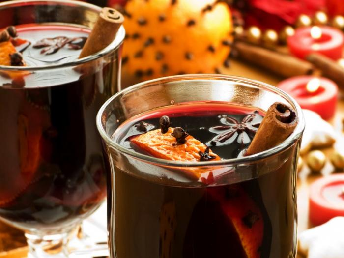 Tasty Traditions: Scandinavian Glögg (SpicedWine)