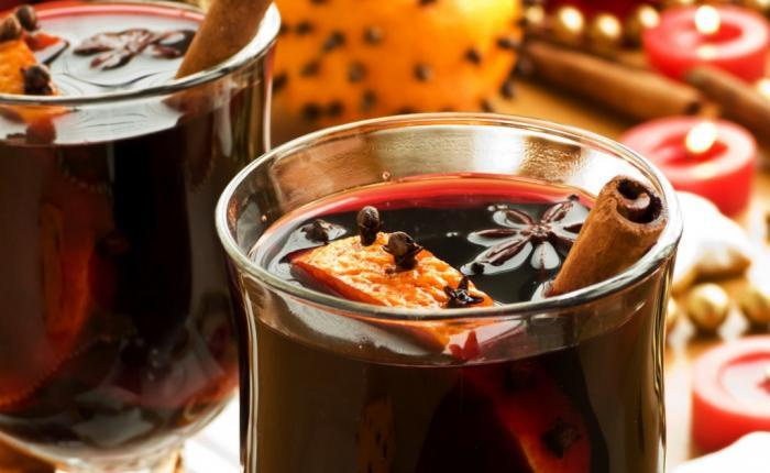 Tasty Traditions: Scandinavian Glögg (Spiced Wine)